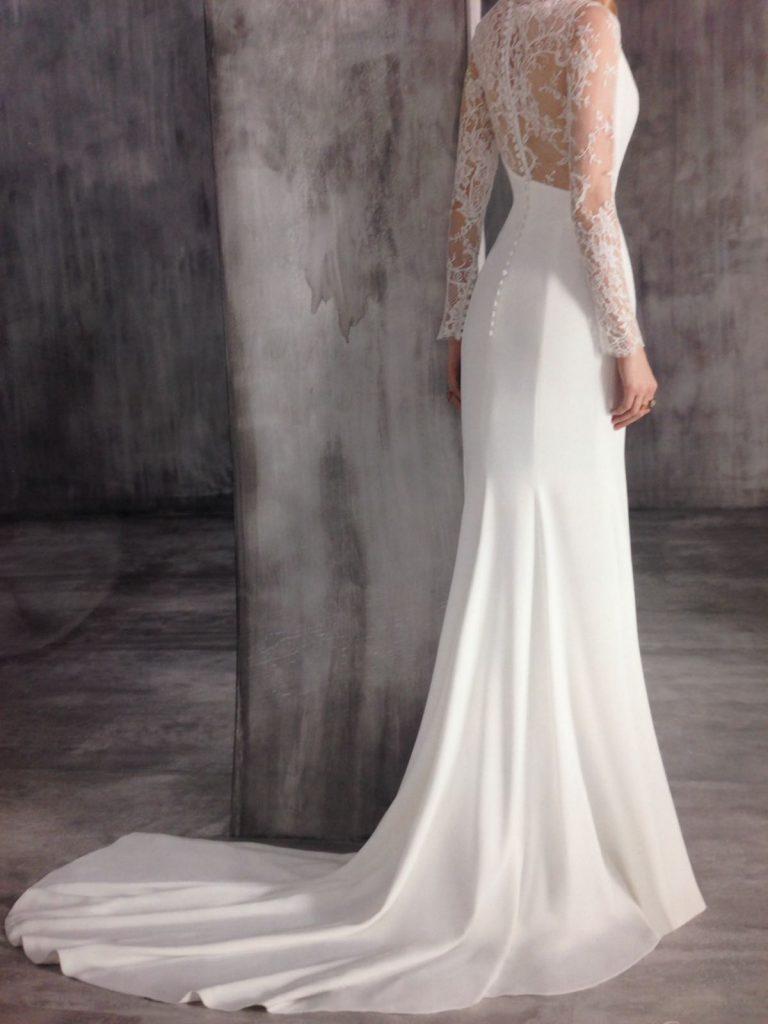 29428efc7 ... partes del vestido o superpuesto en otras telas más gruesas. Hoy día